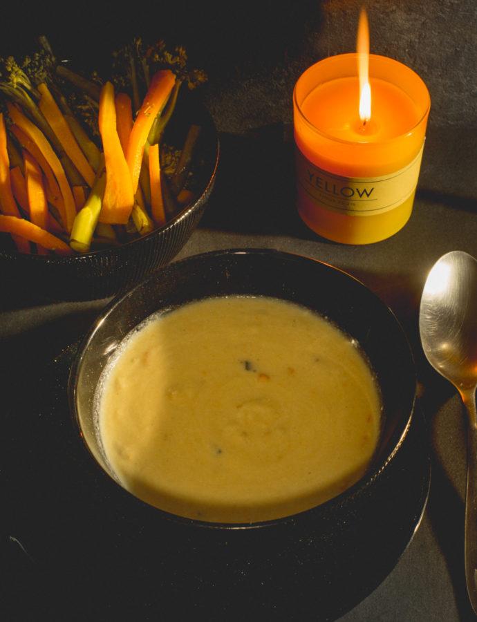 Velouté safrané crevette accompagné de bâtonnets de légumes